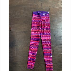 (LIKE NEW) Nike // Pink Pixel Design Legging